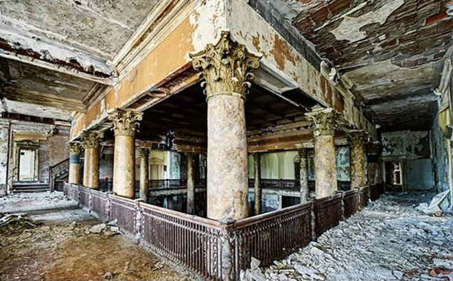 Hotel del Salto: Từ khách sạn sang dành cho giới quý tộc đến địa điểm tự tử nổi tiếng, gắn liền với những lời đồn chết chóc kì lạ - Ảnh 4.