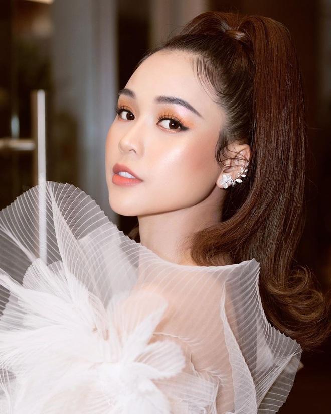 Đọ sắc trong cùng khung hình với mỹ nhân Hàn Oh Yeon Seo: Sam khoe da căng bóng chẳng kém cạnh là bao - Ảnh 4.