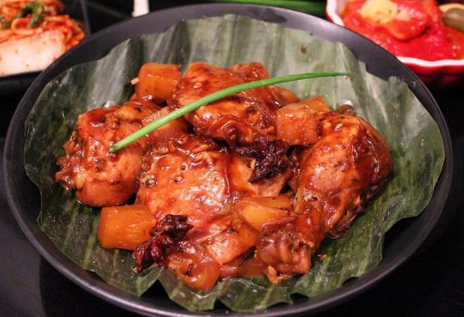 Hội cổ động viên Việt sang Philippines cổ vũ bóng đá nhất định đừng bỏ qua 7 món ăn ngon này của nước bạn - Ảnh 1.