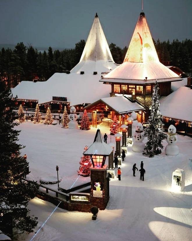 15 địa điểm đón Giáng sinh hút khách nhất trên thế giới, không thể thiếu quê hương ông già Noel ở vị trí đầu tiên - Ảnh 1.