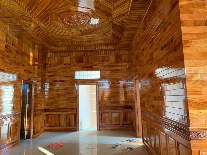 Xuất hiện căn nhà lát gỗ toàn bộ đến cả nội thất, dân mạng há miệng trầm trồ nhưng không ai dám mạnh dạn định giá - Ảnh 2.