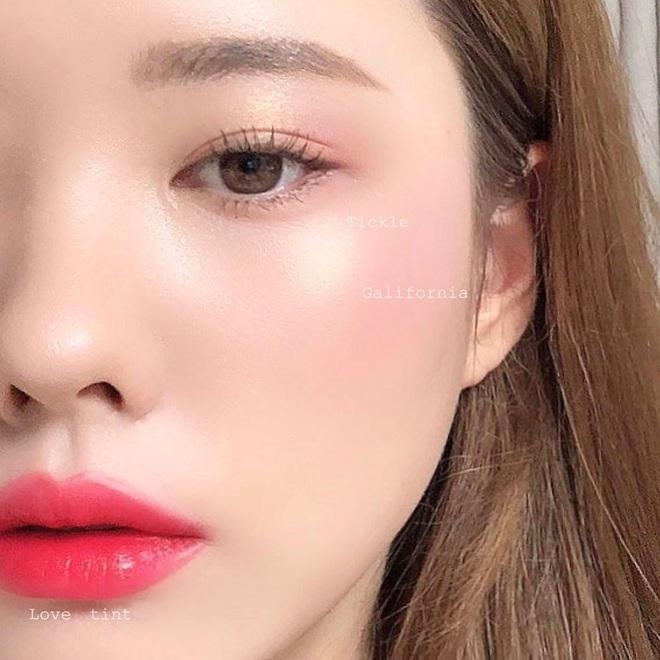 Không phải son lòng môi hay má hồng say rượu, đây mới là 3 kiểu makeup đẹp xỉu được gái Hàn thi nhau diện mùa lễ hội này - Ảnh 2.