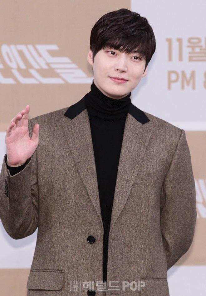 """4 scandal có """"plot twist"""" chấn động Kbiz 2019: Ahn - Goo, Seungri và vụ sao nữ """"Vườn sao băng"""" tự tử đều gây xôn xao dư luận - Ảnh 2."""
