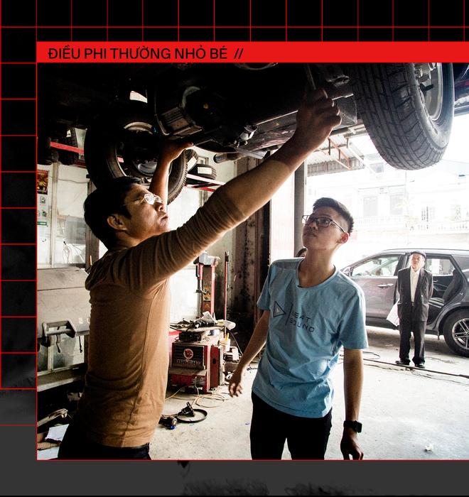 Ngô Việt Cường - Cậu học sinh lớp 12 trong vòng 2 năm lắp ráp thành công 2 ô tô chạy bằng năng lượng mặt trời - Ảnh 8.