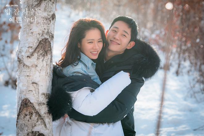 """Nhìn lại thập kỉ sóng gió của phim Hàn: Giữ vững vị thế ông lớn truyền hình Châu Á, Netflix nhen nhóm """"dòm ngó"""" - Ảnh 10."""