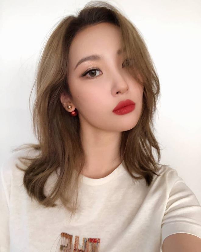 Nhìn ảnh sao Hàn là ra xu hướng makeup hot hit của 2020: Hầu hết đều quen thuộc nhưng có thêm gam màu bơ lạc cực xinh - Ảnh 3.