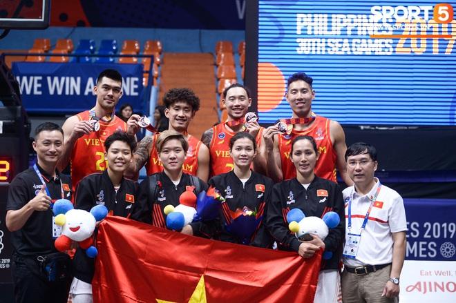 5 khoảnh khắc ấn tượng nhất của bóng rổ Việt Nam năm 2019: Mốc son chói lọi tại SEA Games 30, bản hợp đồng chuyên nghiệp khó tin của chàng trai trẻ bị ung thư xương - Ảnh 11.
