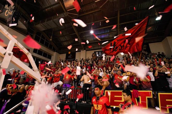 5 khoảnh khắc ấn tượng nhất của bóng rổ Việt Nam năm 2019: Mốc son chói lọi tại SEA Games 30, bản hợp đồng chuyên nghiệp khó tin của chàng trai trẻ bị ung thư xương - Ảnh 2.