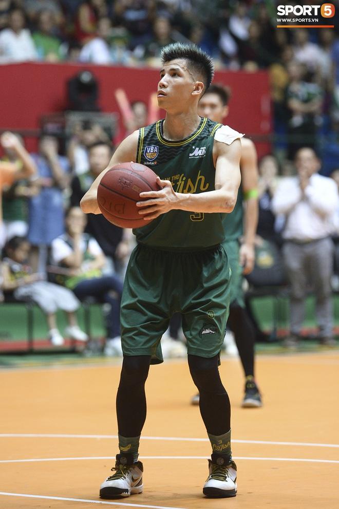 5 khoảnh khắc ấn tượng nhất của bóng rổ Việt Nam năm 2019: Mốc son chói lọi tại SEA Games 30, bản hợp đồng chuyên nghiệp khó tin của chàng trai trẻ bị ung thư xương - Ảnh 6.