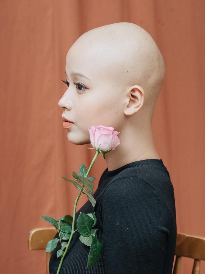Nữ sinh Ngoại thương mắc ung thư vú lột xác đầy bất ngờ trong bộ ảnh Chung kết Duyên dáng Ngoại thương 2019 - Ảnh 4.