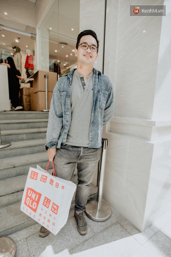 Các tín đồ Sài thành shopping tại UNIQLO sáng nay: Bill vài ba triệu là bình thường, khen nức nở nhưng vẫn có góp ý cho thương hiệu Nhật - Ảnh 1.