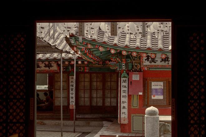 Bộ ảnh đầy ma mị tại 3 ngôi đền chùa đẹp nhất Seoul, không ngờ giữa lòng thủ đô sầm uất lại có chốn an yên đến vậy! - Ảnh 7.