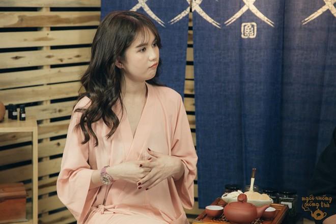 Ngọc Trinh ngượng ngùng nói về bạn trai lớn tuổi, tiết lộ mối quan hệ hiện tại với người yêu cũ - Ảnh 3.