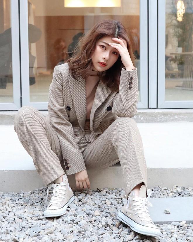 """Với 3 tips mặc đồ này, cô nàng 1m55 chinh phục đủ kiểu mốt mà nhìn không hề bị """"nuốt dáng"""" - Ảnh 3."""