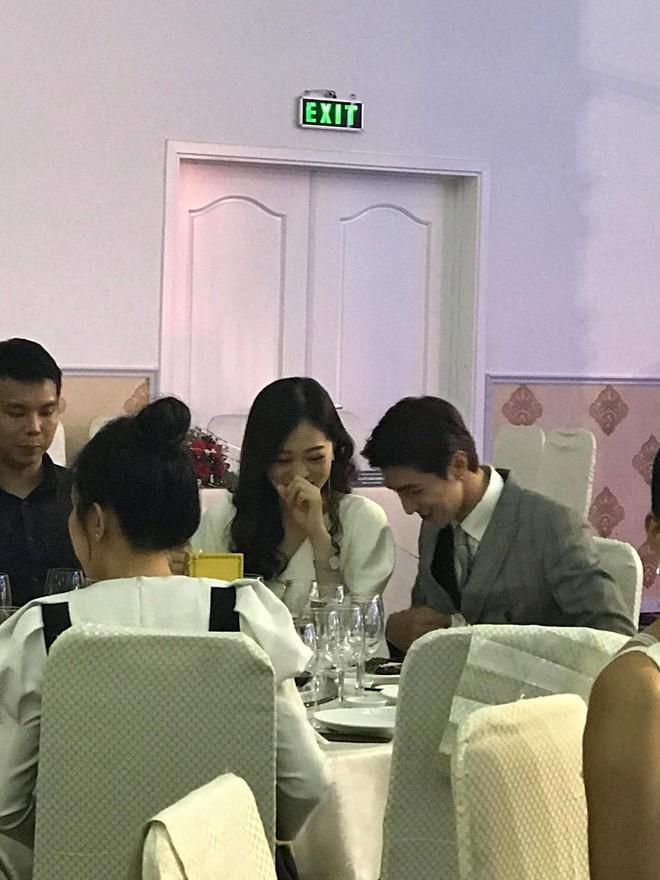 Phỏng vấn cặp đôi mới Vbiz Bình An - Phương Nga: Sự thật về tin đồn đám cưới vào tháng 9/2019 - Ảnh 1.