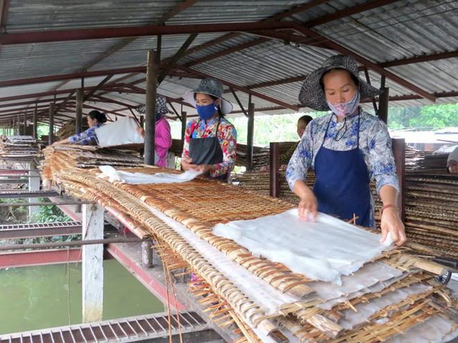 """Không có gì là không thể: """"nhai"""" luôn ống hút với phát minh mới của làng bột hÆ¡n trăm tuổi ở Việt Nam - Ảnh 1."""