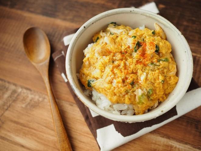 """Không chỉ có mì ăn liền, Nhật Bản còn có nhiều món """"chỉ cần đổ nước vào"""" là có ngay bữa ăn ngon - Ảnh 1."""