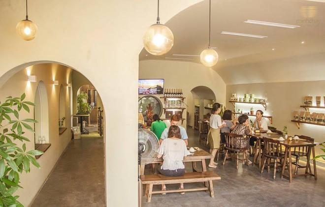 Cứ nghÄ© chay là già nhÆ°ng giờ ở Hà Nội có rất nhiều quán chay mang phong cách trẻ mới lạ - Ảnh 1.