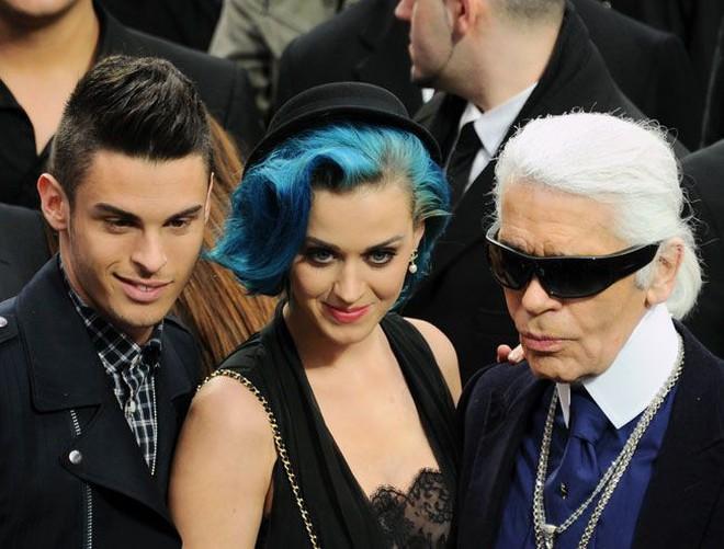 Karl Lagerfeld - Ông hoàng Chanel cuộc đời gắn với chữ thời trang
