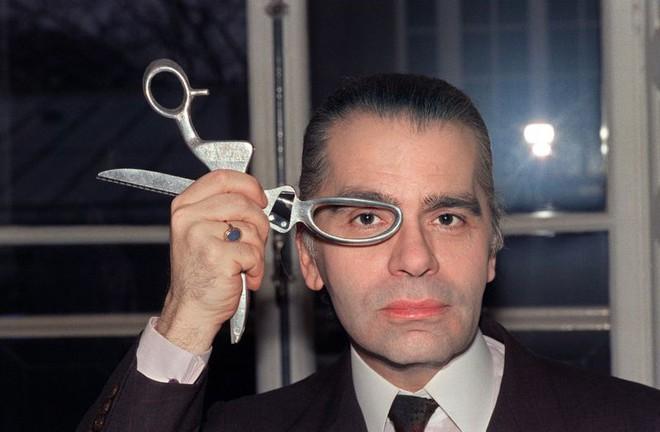 Karl Lagerfeld - Ông hoàng Chanel cuộc đời gắn với chữ thời trang - ảnh 1