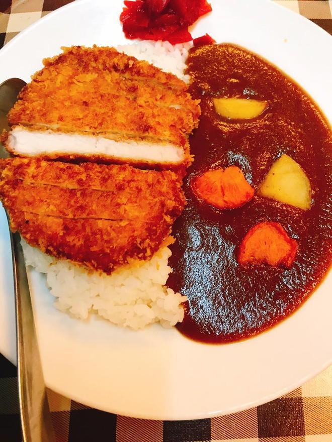Dân Sài Gòn mà thèm cà ri Nhật thì không thể không nghĩ đến những địa điểm sau đây - Ảnh 2.