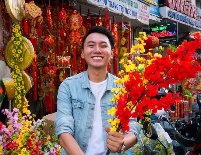 Khoai Lang Thang - Anh vlogger được lòng cư dân mạng vì nụ cười không phải nắng mà vẫn chói chang - Ảnh 3.