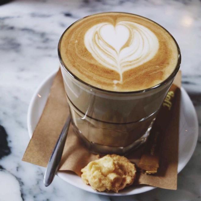 """Điểm danh các quán cà phê có latte art đẹp và """"nghệ"""" cho các tín đồ sống ảo ở Sài Gòn - Ảnh 4."""