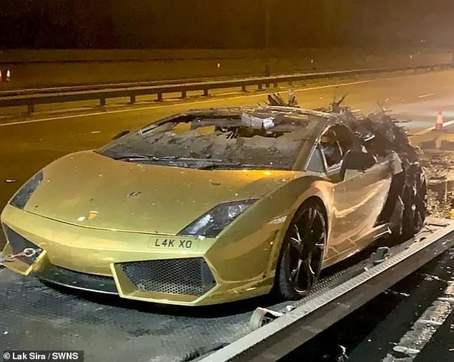 Chi 300 triệu bảo dưỡng Lamborghini, thanh niên vừa lái thử thì xe nổ tung suýt chết - Ảnh 4.