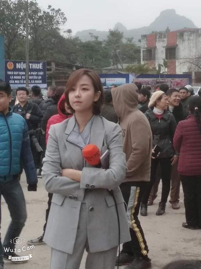 Dàn phóng viên Hàn Quốc và Nhật Bản bỗng dưng nổi tiếng trên mạng xã hội khi tác nghiệp tại hội nghị thượng đỉnh Mỹ - Triều - Ảnh 12.