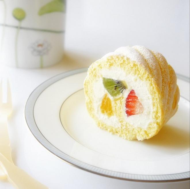 Giờ mới để ý, hóa ra người Nhật Bản thích cho trái cây tươi vào các loại bánh ngọt như thế này - Ảnh 4.
