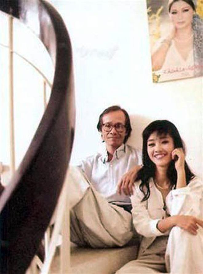 Hồng Nhung đăng ảnh thời 21 tuổi, tưởng nhớ Trịnh Công Sơn nhân kỉ niệm 80 năm ngày sinh cố nhạc sĩ - Ảnh 2.