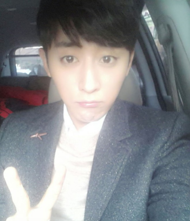 Khi nam thần nữ thần xứ Hàn selfie tệ đến mức khó đỡ nhưng không hiểu sao vẫn... đẹp bất ngờ - Ảnh 17.