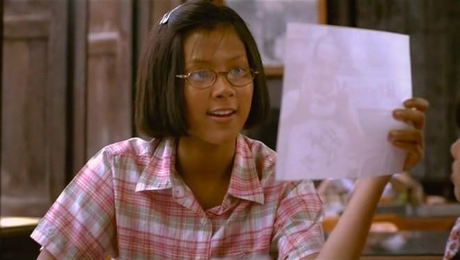 """Để tóc xoăn tít như Địch Lệ Nhiệt Ba, nữ chính """"A Little Thing Called Love"""" Trung Quốc bị ném đá vì quá xinh so với bản gốc - Ảnh 6."""