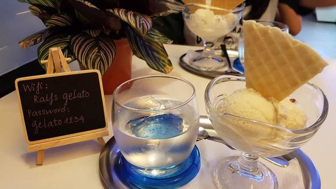 Sài Gòn có những món tráng miệng kết hợp mặn ngọt rất độc đáo, có món còn bỏ cả thịt heo quay vào chè - Ảnh 1.