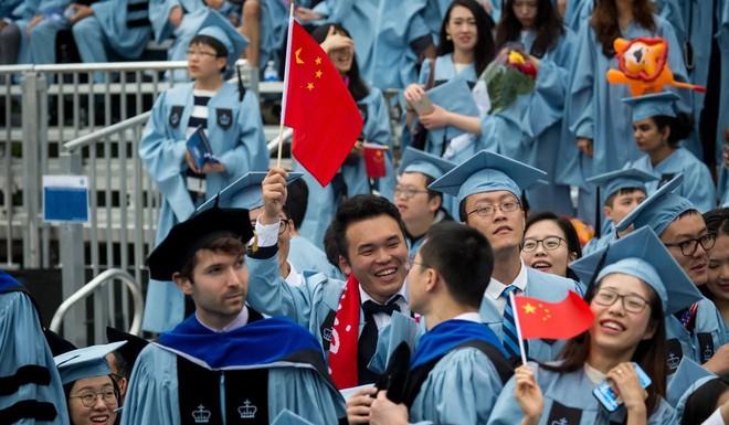 Thời khan hiếm việc làm ở Trung Quốc: Du học sinh cũng khốn đốn, cạnh tranh khốc liệt với cử nhân trong nước - Ảnh 1.