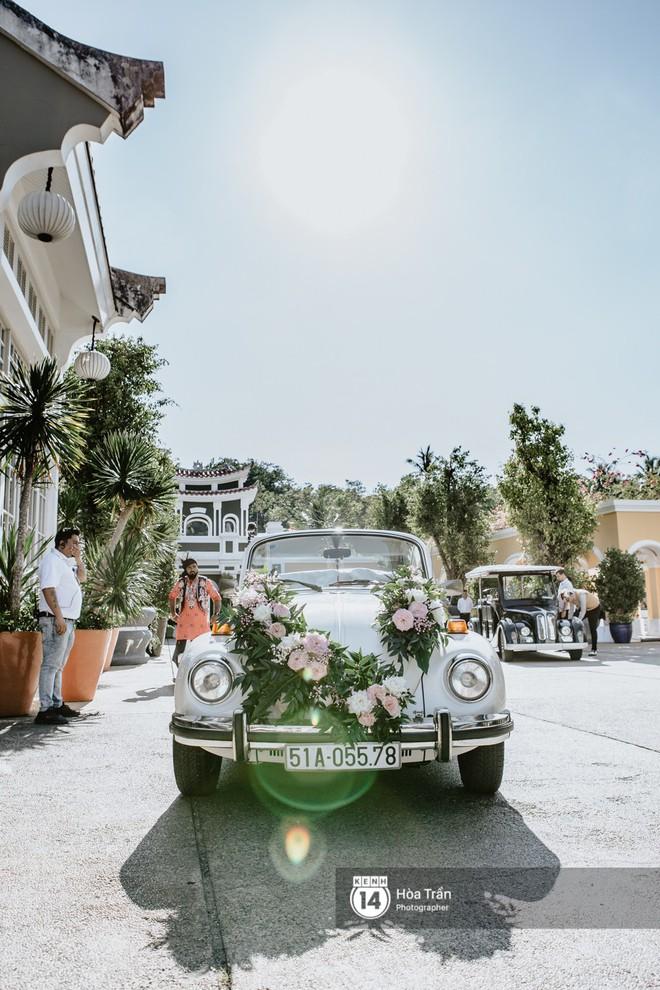 Chùm ảnh: Những khoảnh khắc ấn tượng nhất trong hôn lễ chính thức của cặp đôi tỷ phú Ấn Độ bên bờ biển Phú Quốc - Ảnh 1.