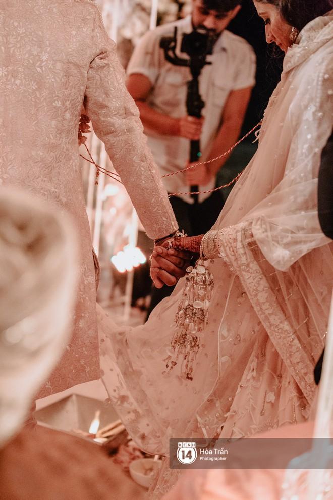 Chùm ảnh: Những khoảnh khắc ấn tượng nhất trong hôn lễ chính thức của cặp đôi tỷ phú Ấn Độ bên bờ biển Phú Quốc - Ảnh 13.