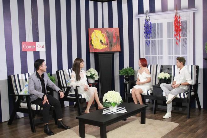 Lâm Khánh Chi nghẹn ngào với màn cầu hôn bất ngờ của cặp đôi bách hợp - Ảnh 3.