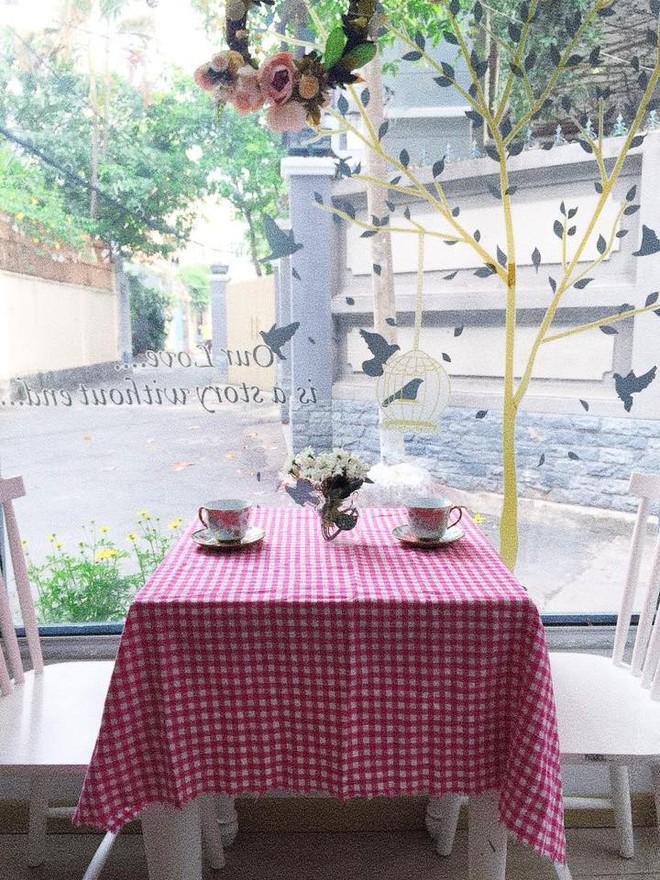 Điểm danh những tiệm trà bánh tông màu pastel chứa cả bầu trời xinh xắn ở Sài Gòn - Ảnh 8.