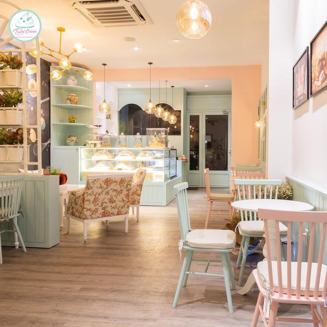 Điểm danh những tiệm trà bánh tông màu pastel chứa cả bầu trời xinh xắn ở Sài Gòn - Ảnh 1.