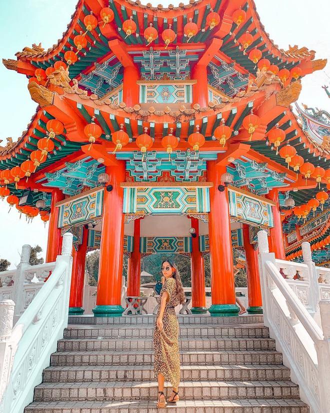 Phát hiện triệu góc check-in thần thánh ở ngôi chùa đèn lồng hot nhất Kuala Lumpur - Ảnh 2.