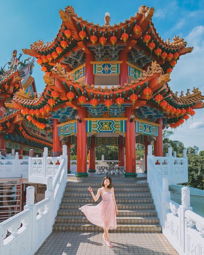 Phát hiện triệu góc check-in thần thánh ở ngôi chùa đèn lồng hot nhất Kuala Lumpur - Ảnh 3.