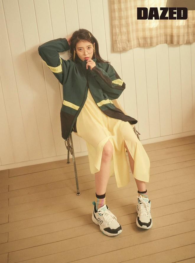 """4 đôi sneaker """"thô kệch"""" được giới trẻ Hàn sắm ầm ầm mà đảm bảo ai cũng thích mê - Ảnh 7."""