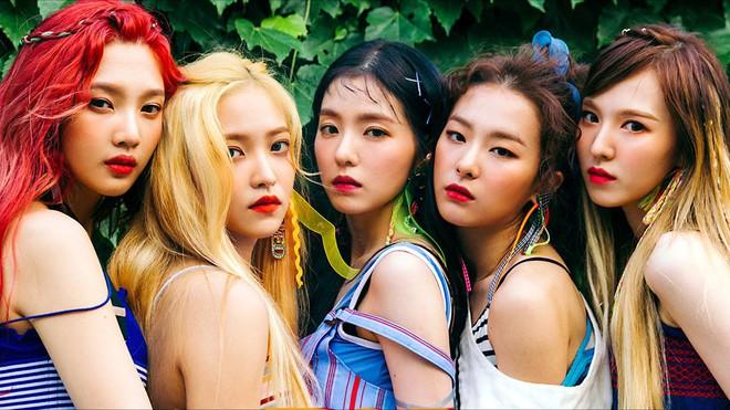 Giữa bê bối tình dục của Seungri và nhóm bạn, netizen rùng mình nhắc chuyện nam tiền bối xin số Red Velvet - Ảnh 3.