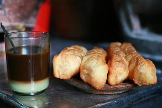"""Những cách ăn uống hơi """"khác thường"""" của người Sài Gòn xưa giờ vẫn được rất nhiều người yêu thích - Ảnh 2."""