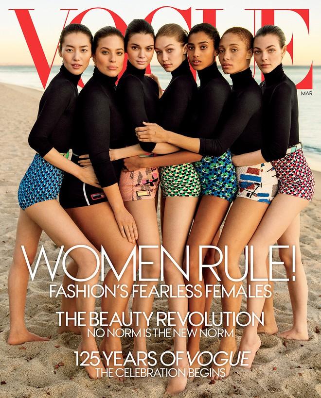 """Không phải Angela Baby, đây mới là sao Hoa ngữ lên bìa Vogue Mỹ cùng cả loạt mỹ nhân đình đám mà không hề bị """"dìm"""" - Ảnh 2."""