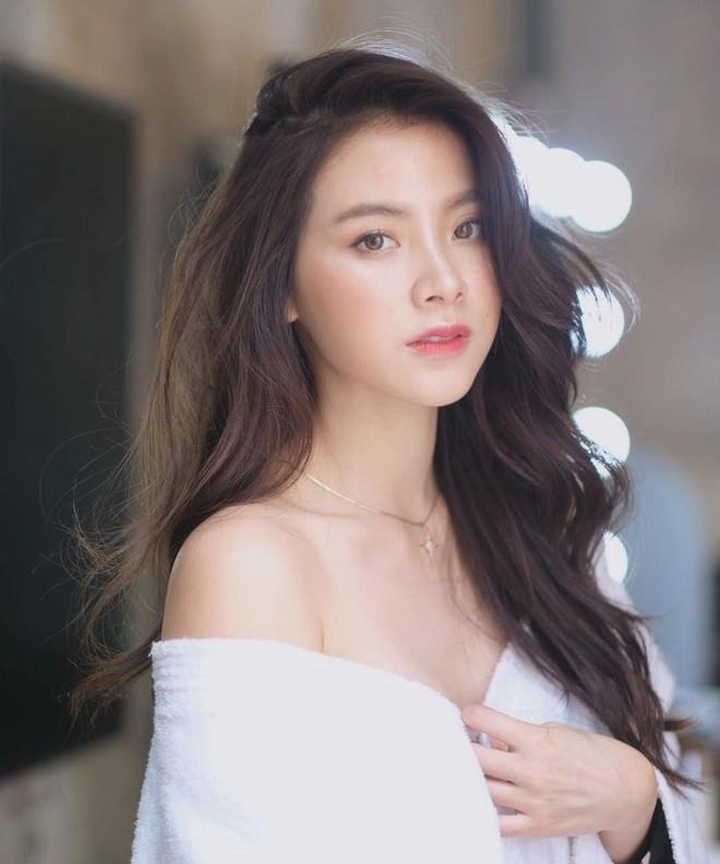 Hình ảnh Baifern Pimchanok - nữ diễn viên phim Friend Zone