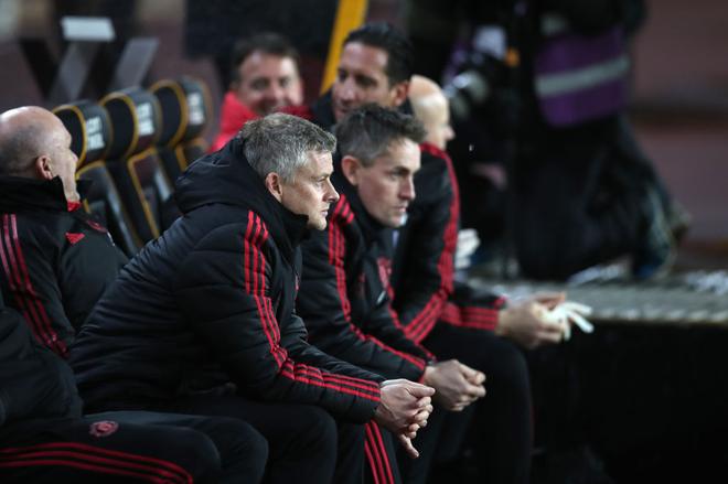 Công cùn và thủ kém, Manchester United bị đá bay khỏi FA Cup ở tứ kết - Ảnh 1.