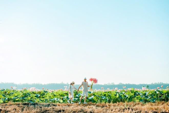 Đã lùng ra địa chỉ cánh đồng sen rộng bát ngát tại An Giang: Thiên đường sống ảo là đây chứ đâu nữa! - Ảnh 3.