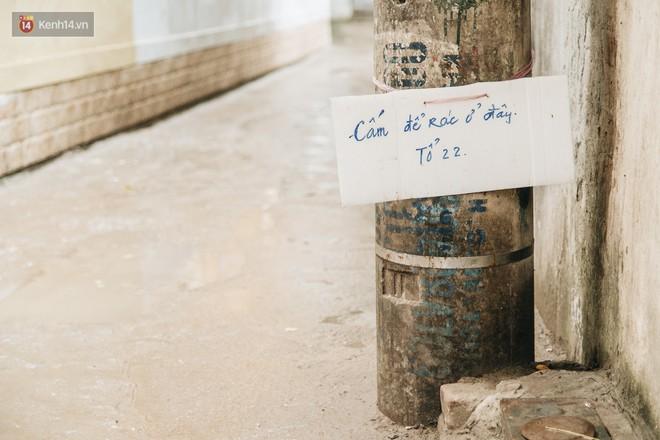 """Hình ảnh người xả rác bừa bãi bị dán chi chít trong khu phố ở Hà Nội: """"Cấm mãi không được chúng tôi mới làm như vậy"""" - Ảnh 6."""